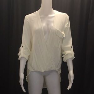 Sheer Cream High Low 3/4 Sleeve Top